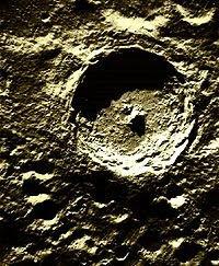 Kawah Meteor di Bulan