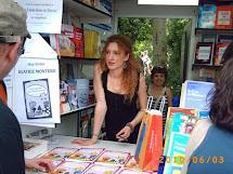 Beatriz Montero firma en la Feria dl Libro de Madrid