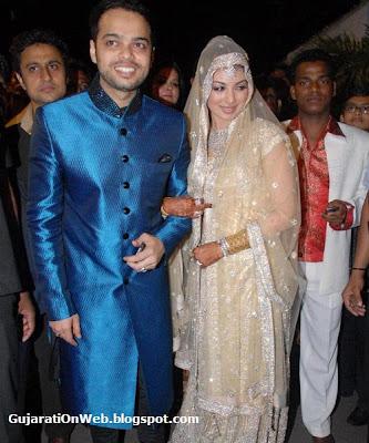 Ayesha Takia with the Groom Farhan Azmi in their marriage<br />