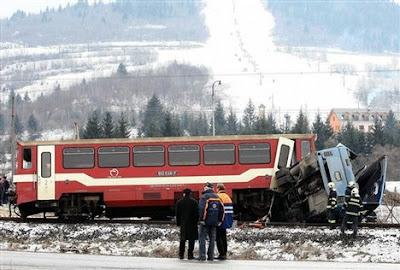 Ukraine train and bus collision