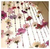 como fazer cortina de flores