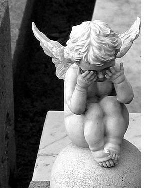 Ange Qui Pleure le charabia de moushette: petit ange