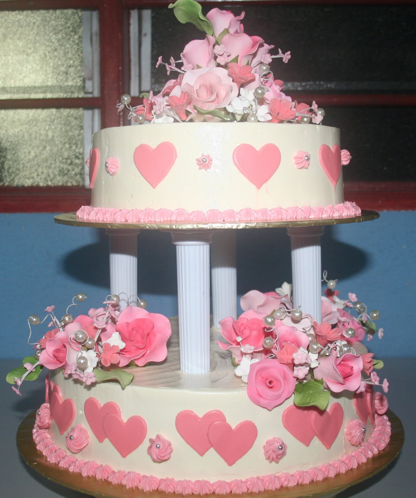 Pretty Things: Lovely Pink Wedding Cakes