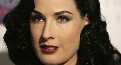 LITTLE-PUMPKINS: Dita Von Teese @ British Fashion Awards