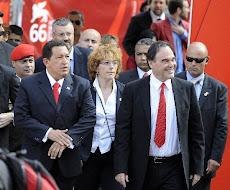 """""""Sólo la unión nos hará libres y humanos, verdaderamente humanos"""". Hugo Chávez Frías. 07-09-2009"""