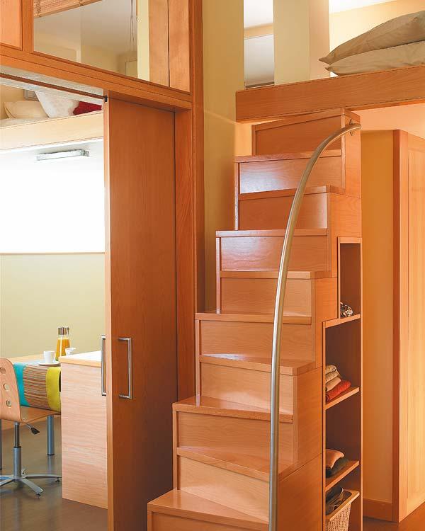 Brincando de decorar apartamento de 40m for Escaleras para altillo