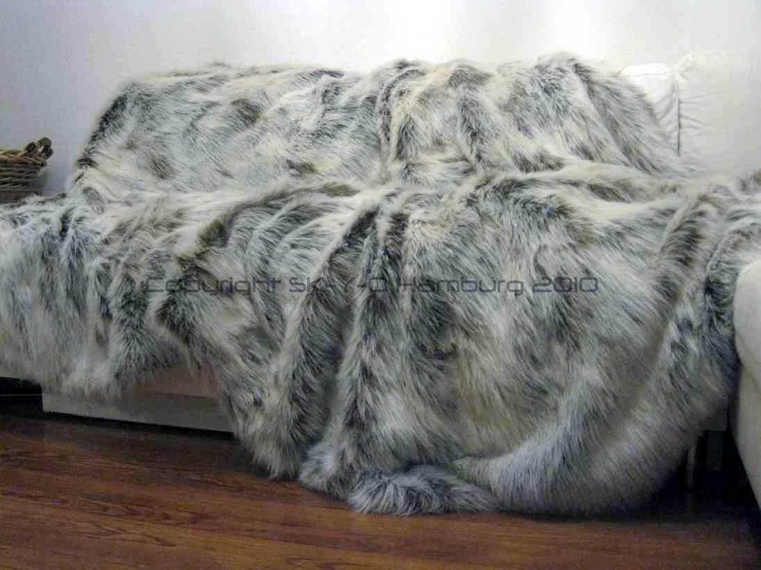 sk y o hamburg skyohh neu luxus felldecke aus fake fur. Black Bedroom Furniture Sets. Home Design Ideas
