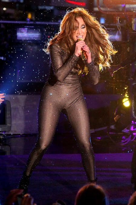 [gallery_main-0106_jlo_catsuit_06.jpg]