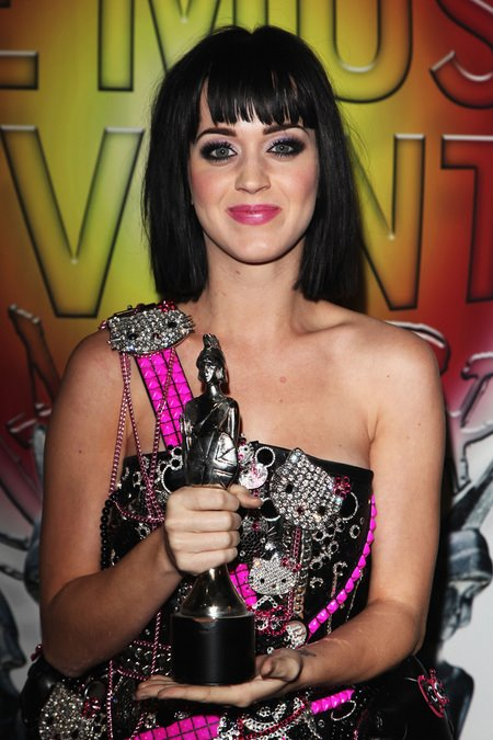 [gallery_main-0219_katy_perry_britawards_11.jpg]
