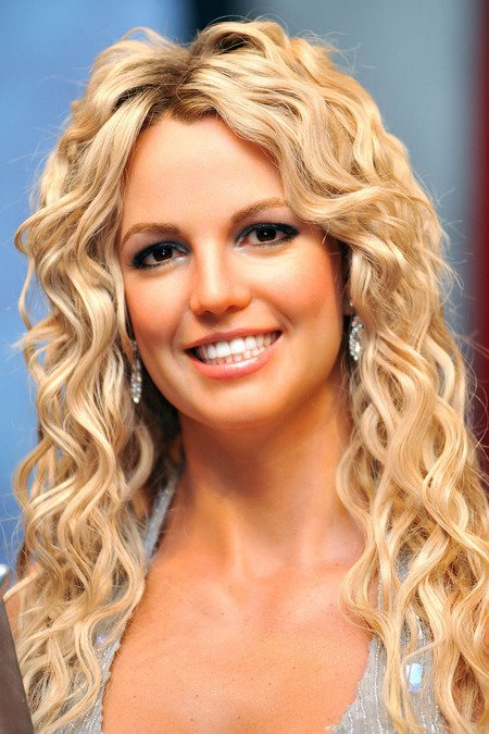[gallery_main-0216_britney_spears_wax_03.jpg]