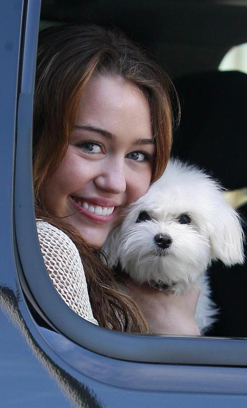 [miley-cyrus-meeting-319-10.jpg]