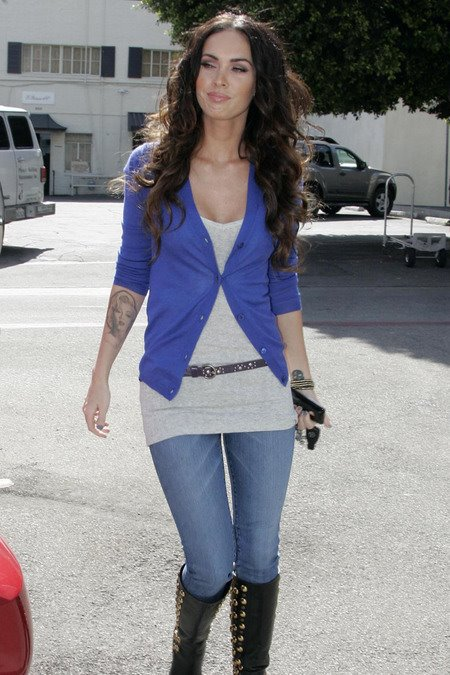[gallery_main-0331_megan_fox_salon_04.jpg]