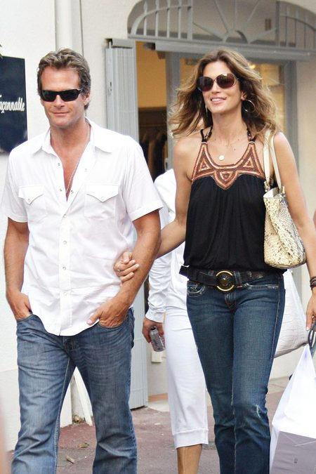 [gallery_main-20090502_cindy_crawford_husband_01.jpg]