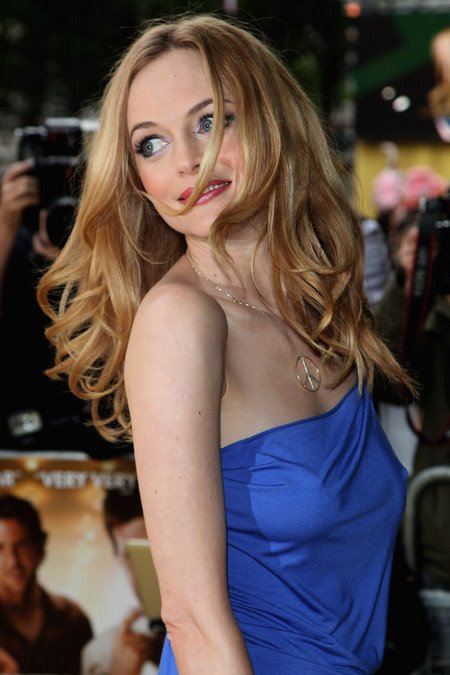 [gallery_main-0610_heather_graham_braless_04.jpg]