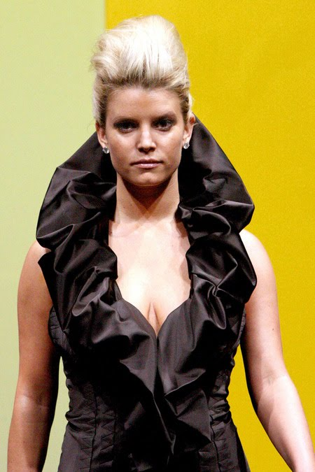 [gallery_main-0904_jessica_simpson_model_01.jpg]
