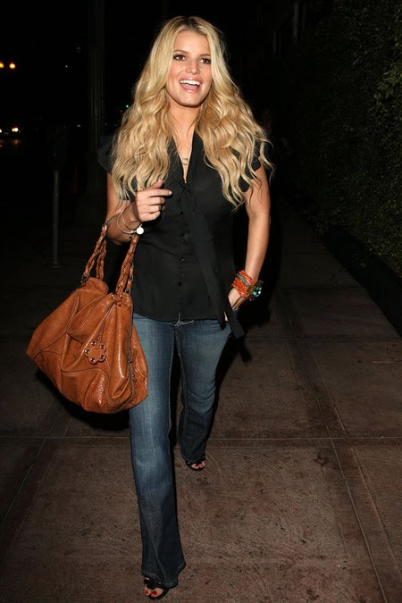 [gallery_main-0909_jessica_simpson_03.jpg]
