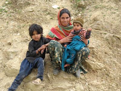 Familia tibetana en Kufri