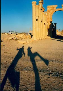 Palmira, Siria. Sombras: Ceci & yo
