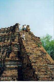 Sukhothai, Uy! y ahora cómo me bajo