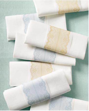 Do it yourself weddings diy lace edged napkin rings diy lace edged napkin rings solutioingenieria Choice Image