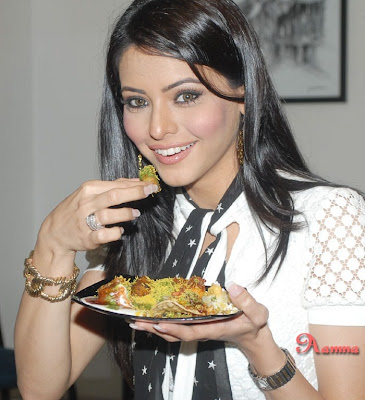 Aamna Sharif Orkut scraps Teddy Bears scraps and graphics Aamna Sharif scrapbook animations and orkut codes