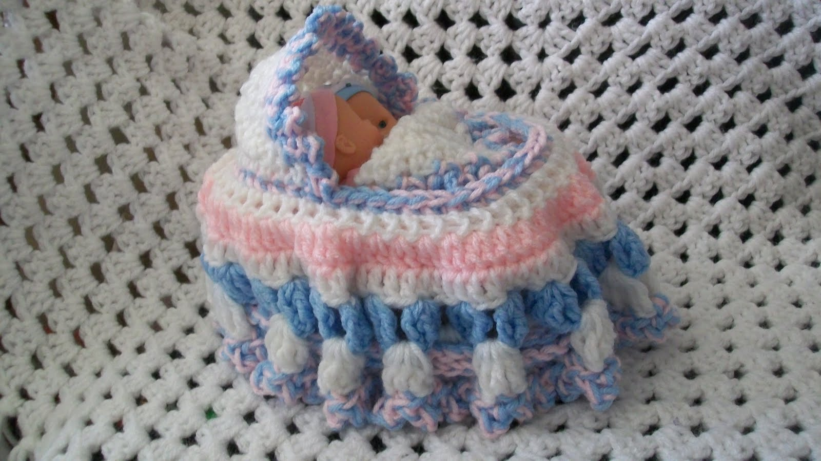 Crochet Baby Purse : ... baby color preference, so I used a pink & a blue one. Nice little