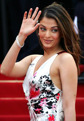 Aishwarya Rai Latest Romance Hairstyles, Long Hairstyle 2013, Hairstyle 2013, New Long Hairstyle 2013, Celebrity Long Romance Hairstyles 2382