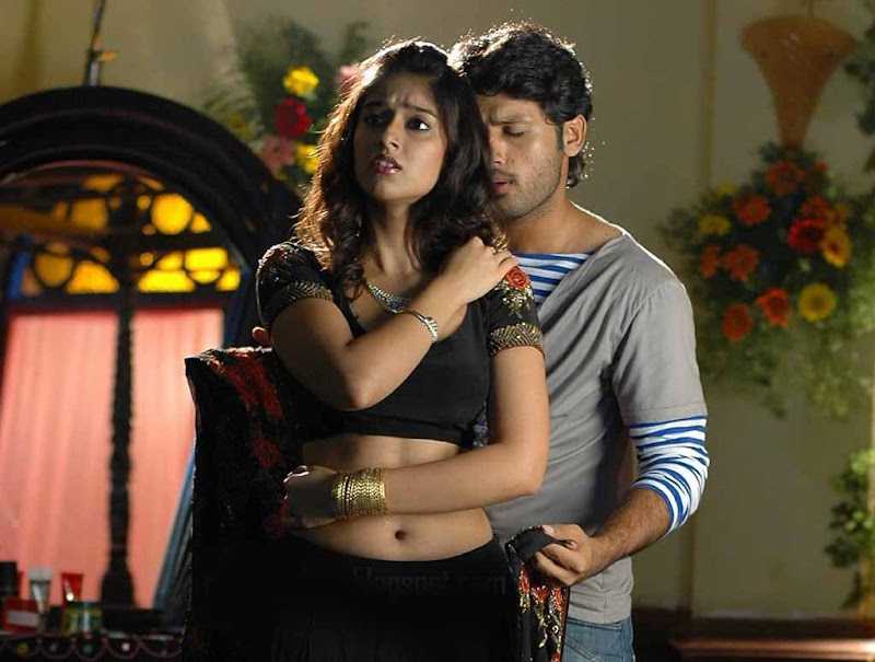 latest hot exposing images of ileana from rechipo with nitin
