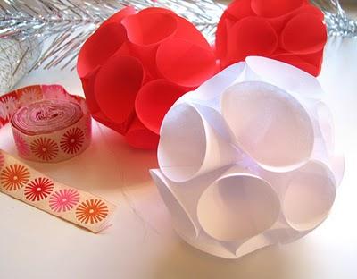 Estrella y lalis de todo un poco esferas de papel for Papel para techos exteriores