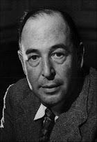 Clive Staples Lewis, conhecido como C. S. Lewis, (Belfast, 1898 – 1963)