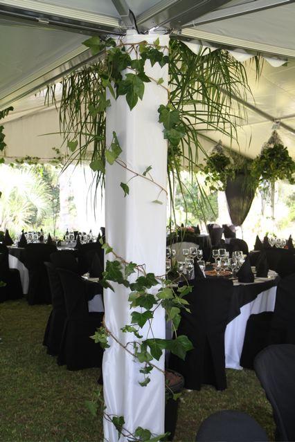 Decoraci n organizaci n de una boda original - Decoracion columnas salon ...