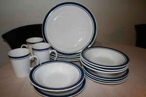 Nautical inspired dinnerware for the student-budget! - $7 & Found on Craigslist: 2009-03-22