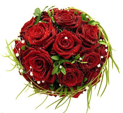brudbukett Grand Prix och Passion rosor