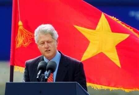 Bill Clinton In Hanoi 2000