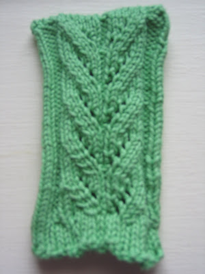 Knit Lulu Knit Cascading Leaves Ipod Bag