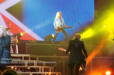 Joe Elliott, Rick Savage, & Phil Collen - Def Leppard - 2008