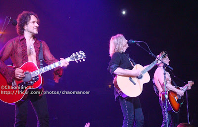 Vivian Campbell, Joe Elliott, & Phil Collen - Def Leppard - 2008