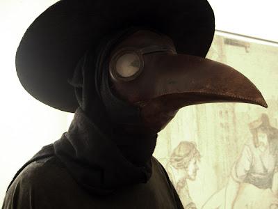 El medico enmascardo  de la peste