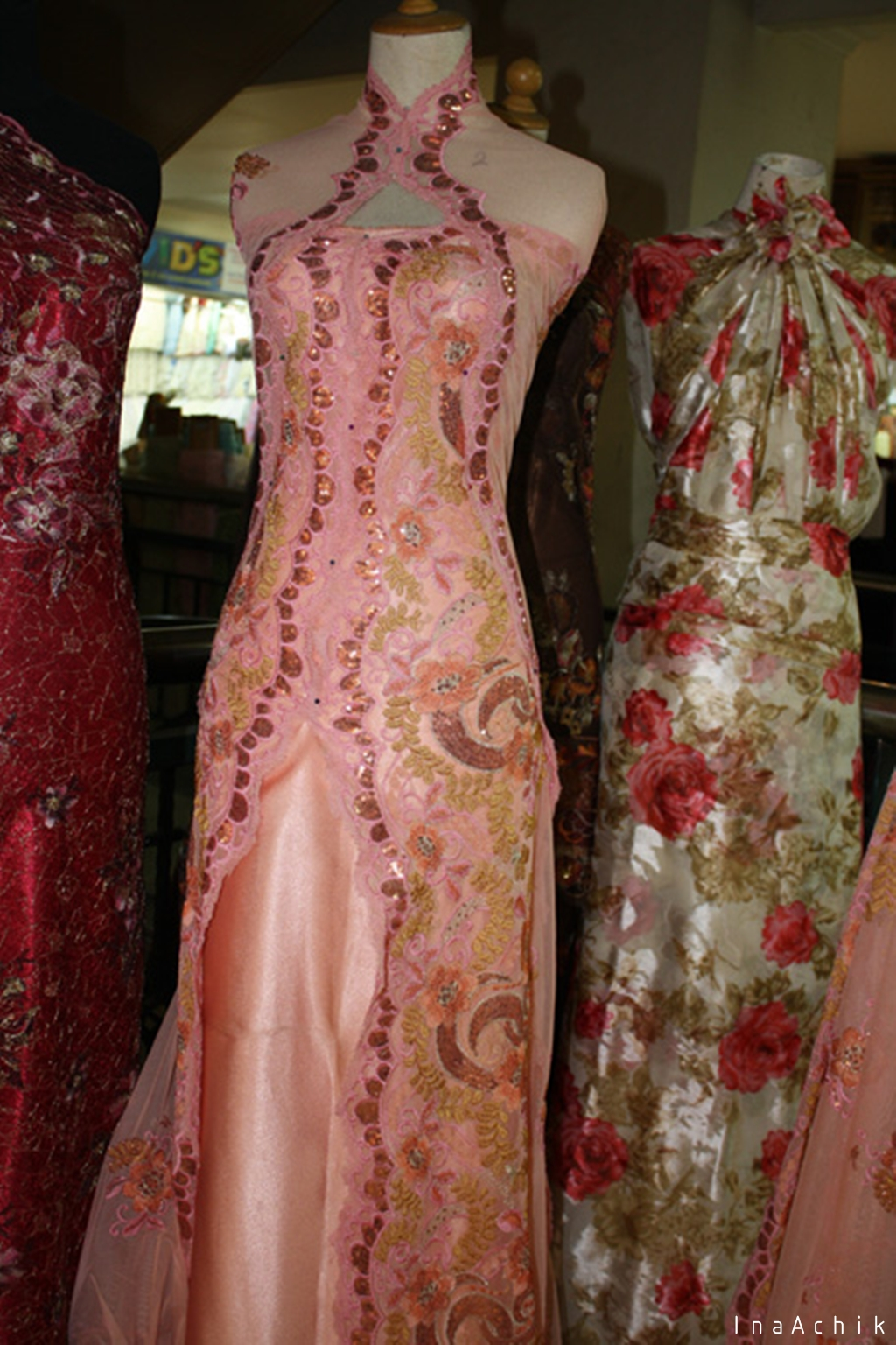 Kakikusukaberjalan pasar baru bandung Baju gamis pasar baru bandung