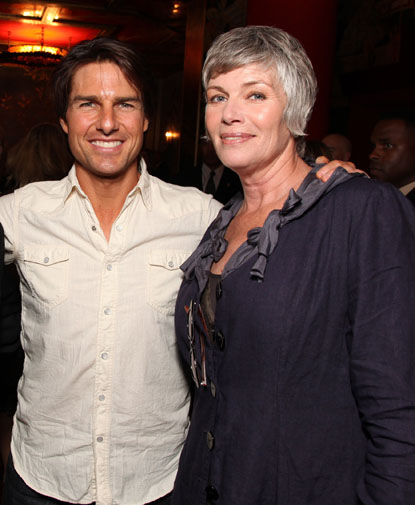 TOM CRUISE AND KELLY M...