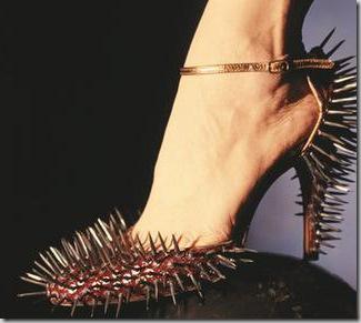 [15.+Sapato+de+Espinhos.jpg]