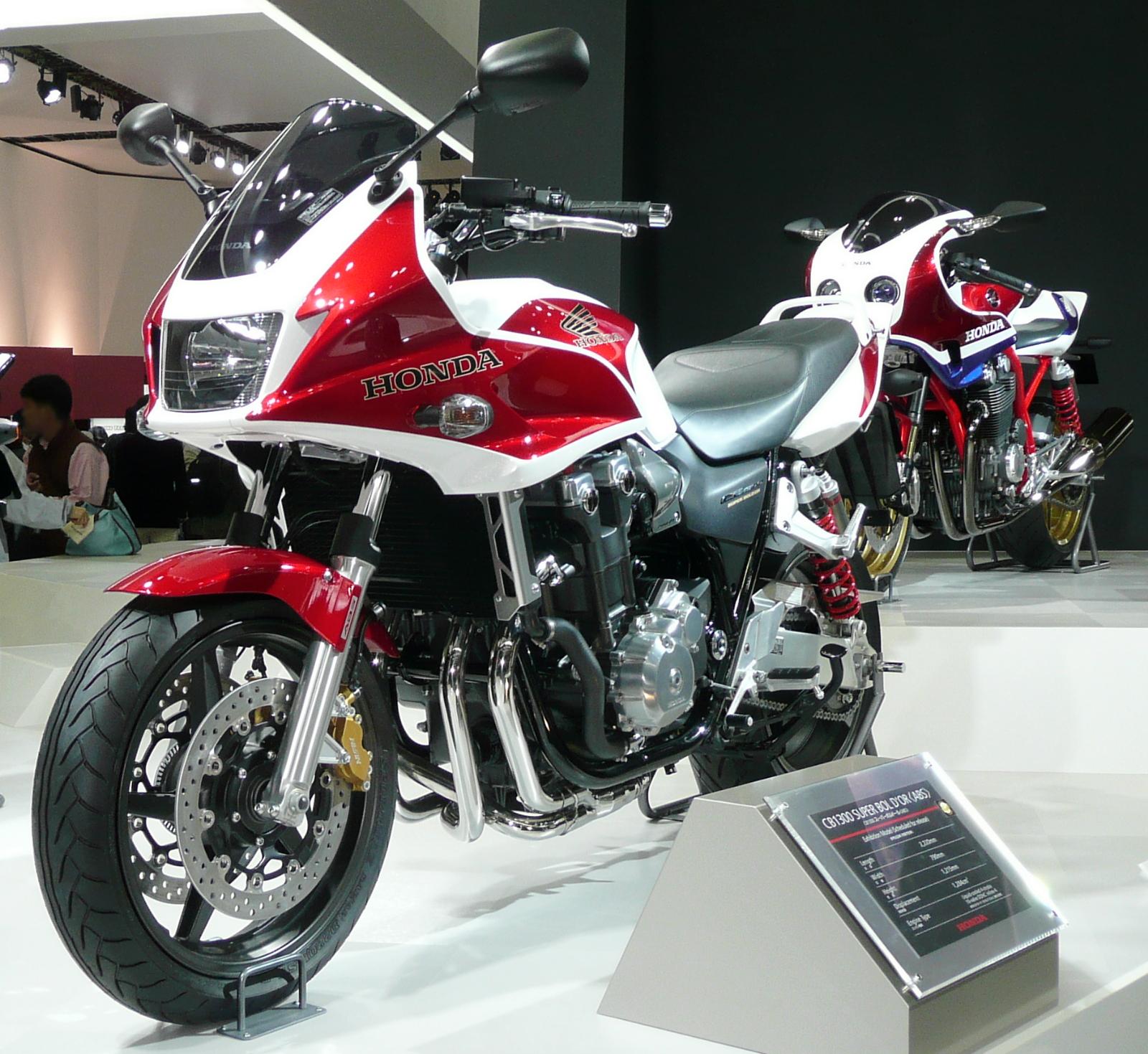http://3.bp.blogspot.com/_5_ewoocjMX0/TPUo189dNRI/AAAAAAAAAjA/TSB4-JtYclg/s1600/Honda_CB1300_Super_Bold%27or_ABS_2007TMS.jpg