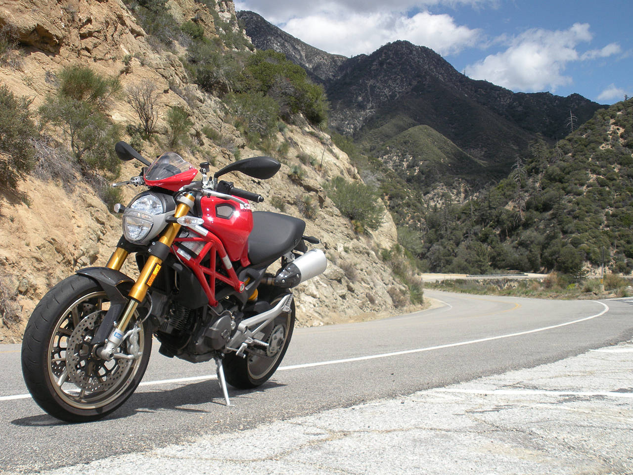 Ducati Monster 1100S Wallpapers title=