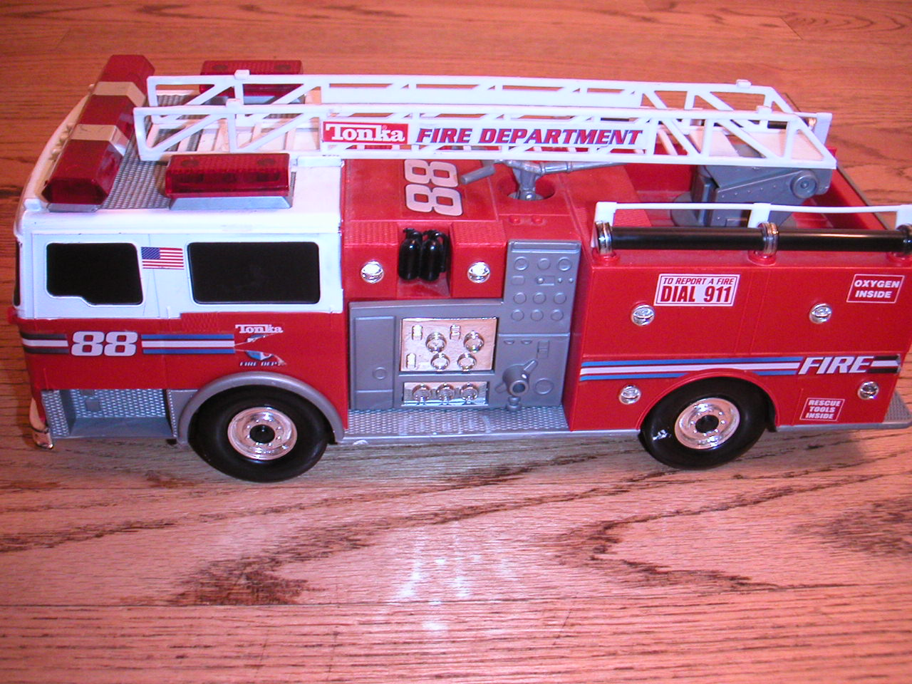 Fire Truck Rods and Holdbacks - Kids Decorating Ideas