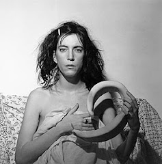 :: Patti Smith ::
