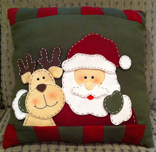 Crochet: Christmas: Pillows on Pinterest