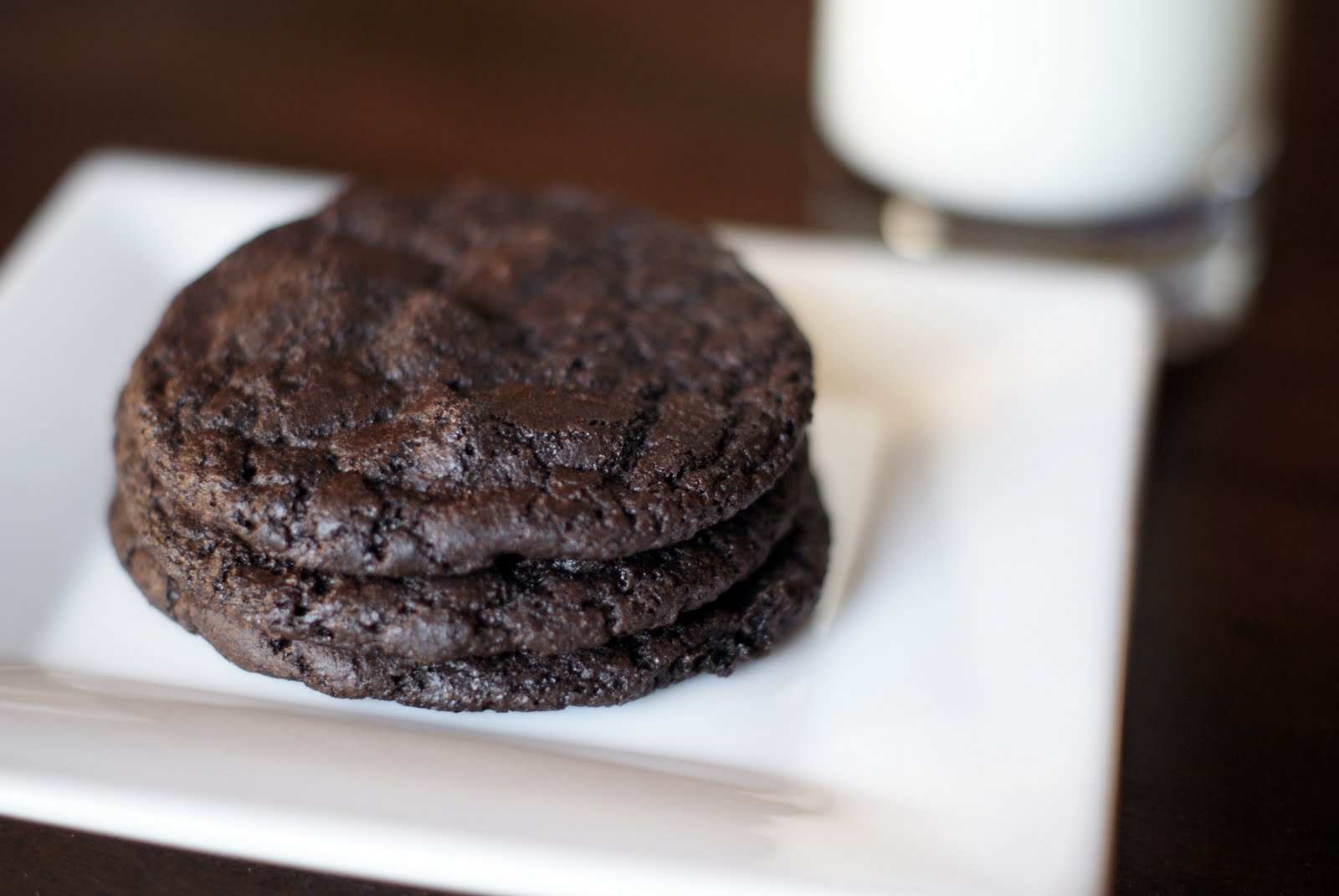 Simple Zest: vegan chewy double chocolate chip cookies