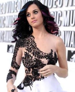 Katy Perry nyaris toples di MTV VMA - kumpulan fakta aneh dan unik - Blog berita terkini