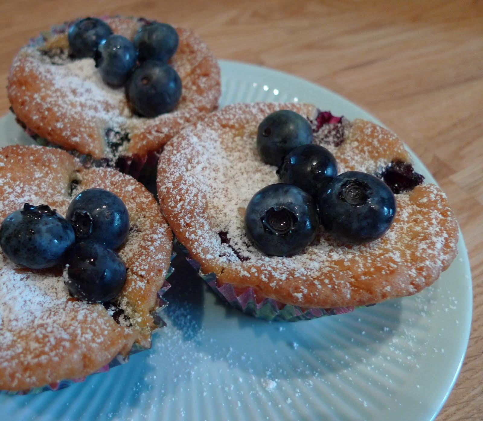 saftiga muffins med blåbär
