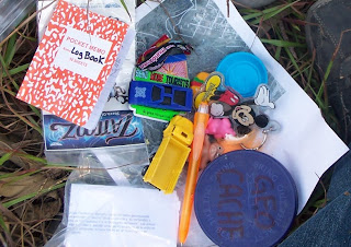 Contenido de un geocache en el Parque el Centinela
